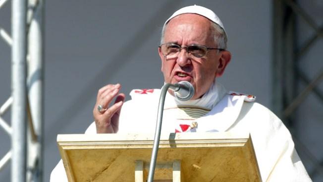 Mueren 3 familiares del Papa en accidente