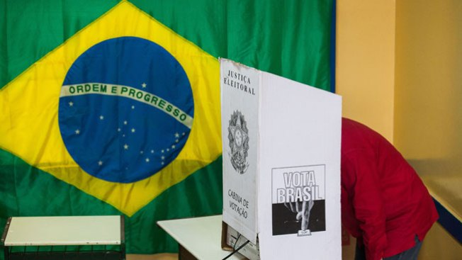 Brasil: Rousseff y Neves a segunda vuelta