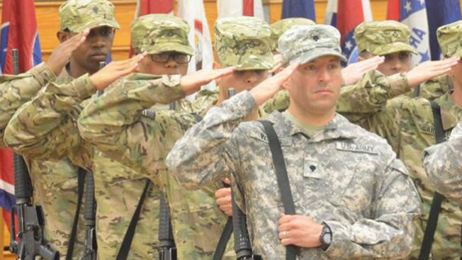 Fort Lee: Muere sargento tras dispararse