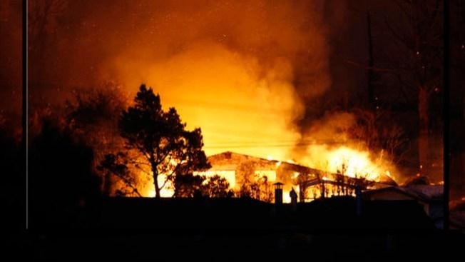 Incendio cobra vida de madre y su bebé