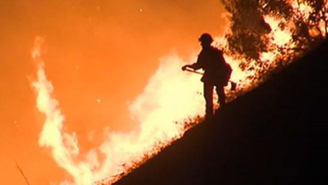 Incendio de maleza amenaza Simi Valley
