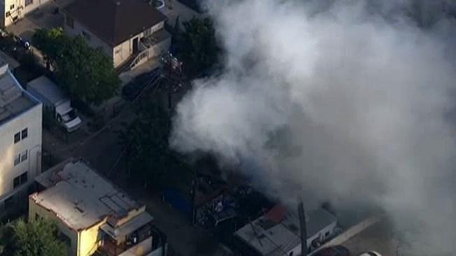 Vecindario se paraliza por incendio