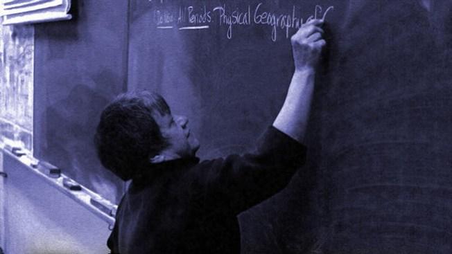 Polémica decisión en caso de maestros