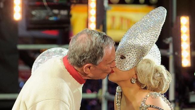 No le gustó beso de Gaga