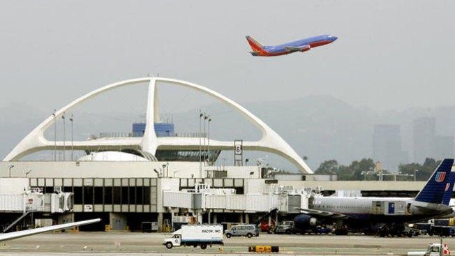 Se buscan trabajadores para LAX