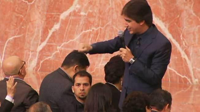 El Pastor Dante reúne a miles en el sur de California