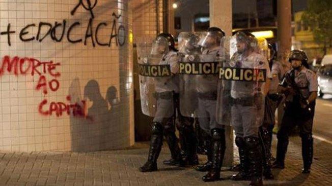 Asesinan a tres en club de Brasil