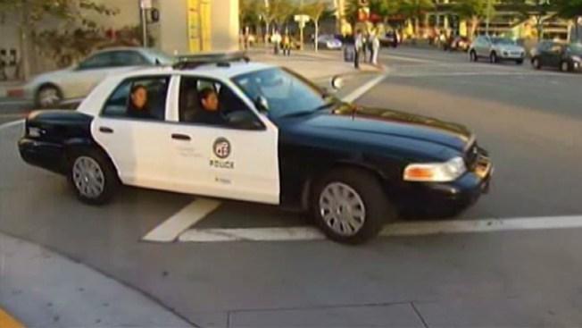 Policía a la caza de peatones