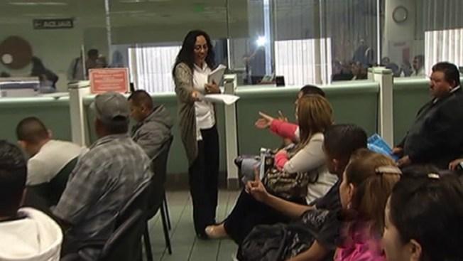 Inmigrantes en L.A. terminan estudios