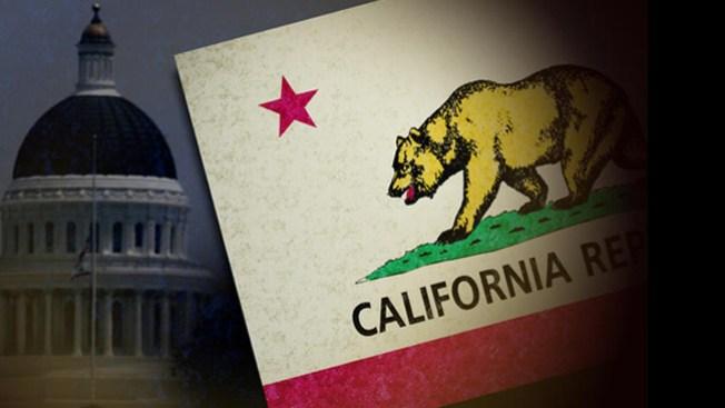 Acusan de fraude a senadores de CA