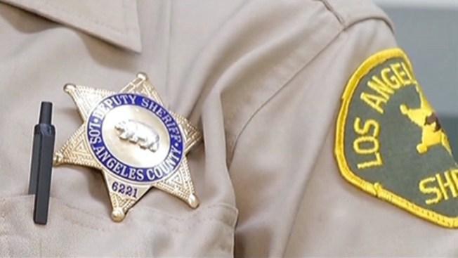 Polémica se aviva para alguacil de L.A.