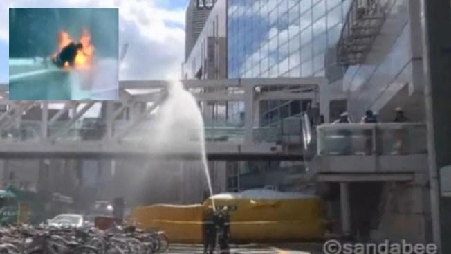 Manifestante se prende fuego en Tokio