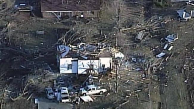 Tornado arrasa centro del país