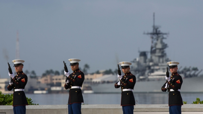 Tiroteo en base naval deja 2 muertos