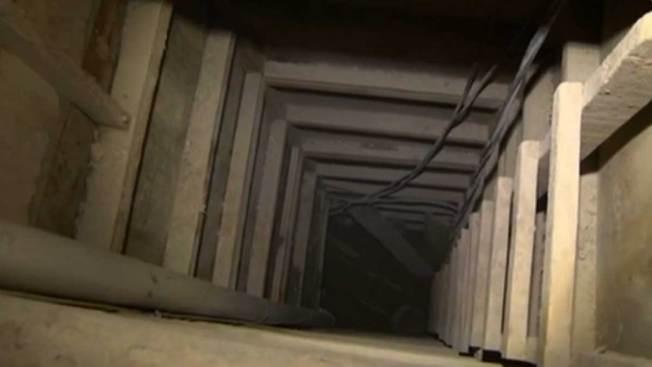 """Muestran el túnel de escape del """"El Chapo"""""""