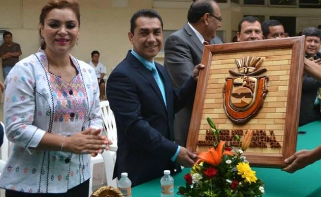 Iguala: detenido el alcade y su esposa