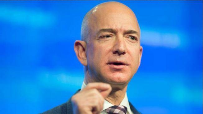 Jeff Bezos dona US$33 millones para becas de