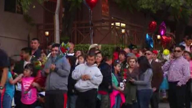 Familias cruzan fronteras para reencontrarse en Los Ángeles
