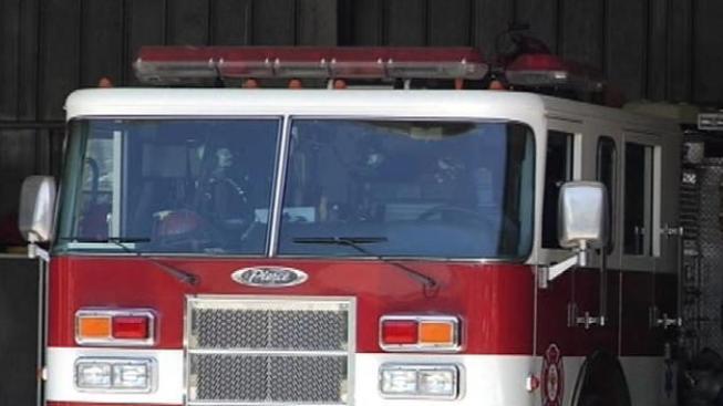 Sofocan incendio en edificio de 89 años