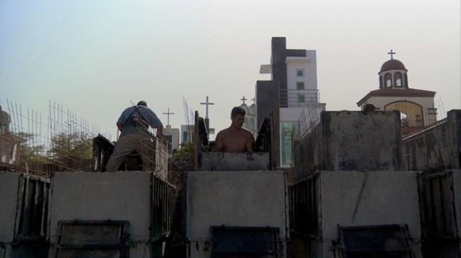 La vida en un cementerio de narcos