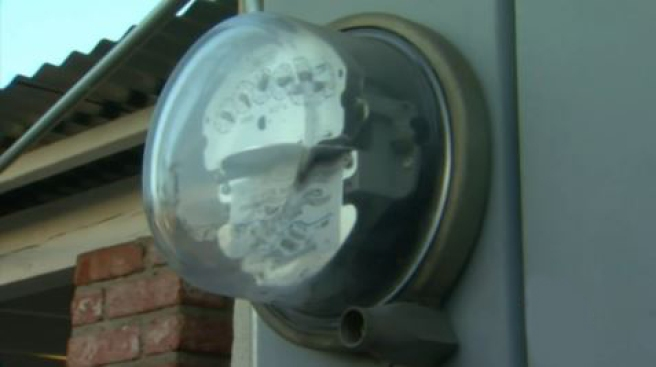 DWP advierte sobre estafa con medidores de luz
