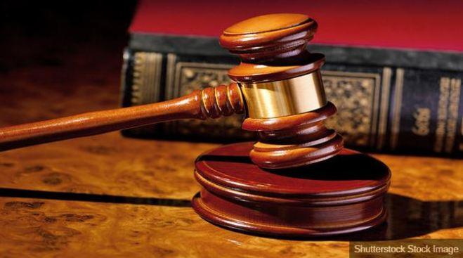 Condenan a Johnson & Johnson por caso de cáncer vinculado a talco
