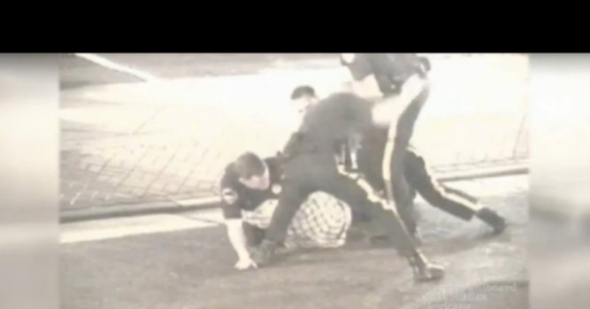 Video: Indigna video de abuso policial