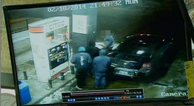 Oficial mata a asaltante en gasolinera