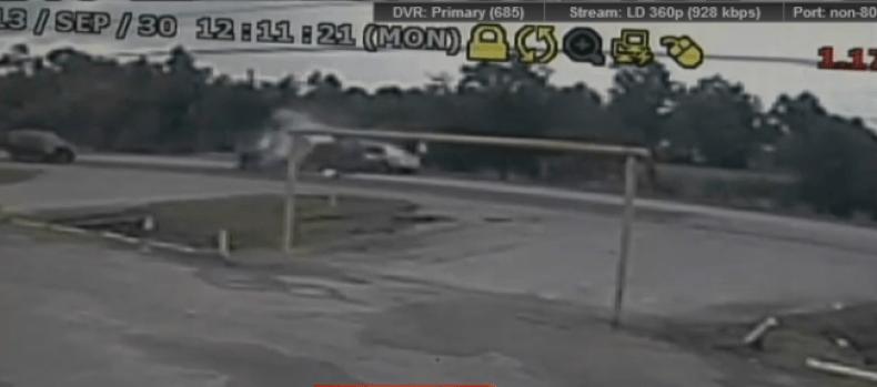 Video: Embiste el auto de su mujer y la mata